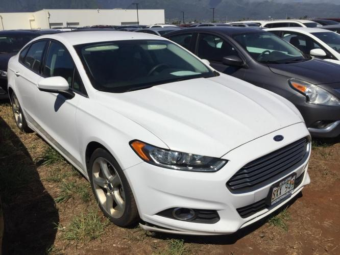 2016 WHITE Ford Fusion S (3FA6P0G74GR) with an 4 Cylinder Engine engine, Automatic transmission, located at 368 Huku Lii Pl, Kihei, HI, 96753, (808) 875-8782, 20.773748, -156.452103 - Photo #0
