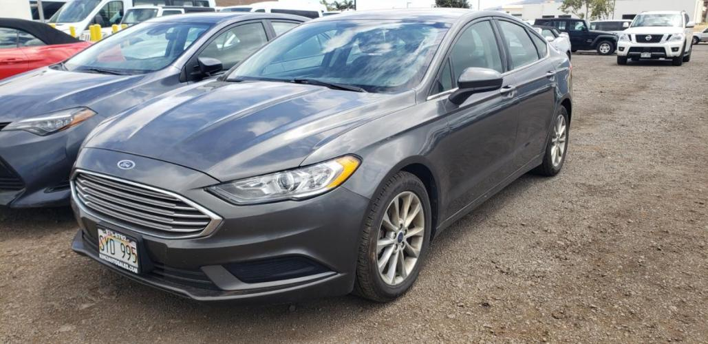 2017 GRAY Ford Fusion SE (3FA6P0H76HR) with an 4 Cylinder Engine engine, Automatic transmission, located at 368 Huku Lii Pl, Kihei, HI, 96753, (808) 875-8782, 20.773748, -156.452103 - Photo #0