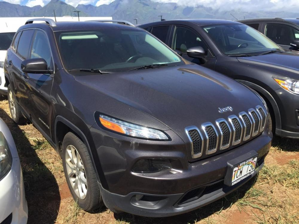 2017 GRAY Jeep Cherokee Latitude (1C4PJLCB8HW) with an 4 Cylinder Engine engine, Automatic transmission, located at 368 Huku Lii Pl, Kihei, HI, 96753, (808) 875-8782, 20.773748, -156.452103 - Photo #0