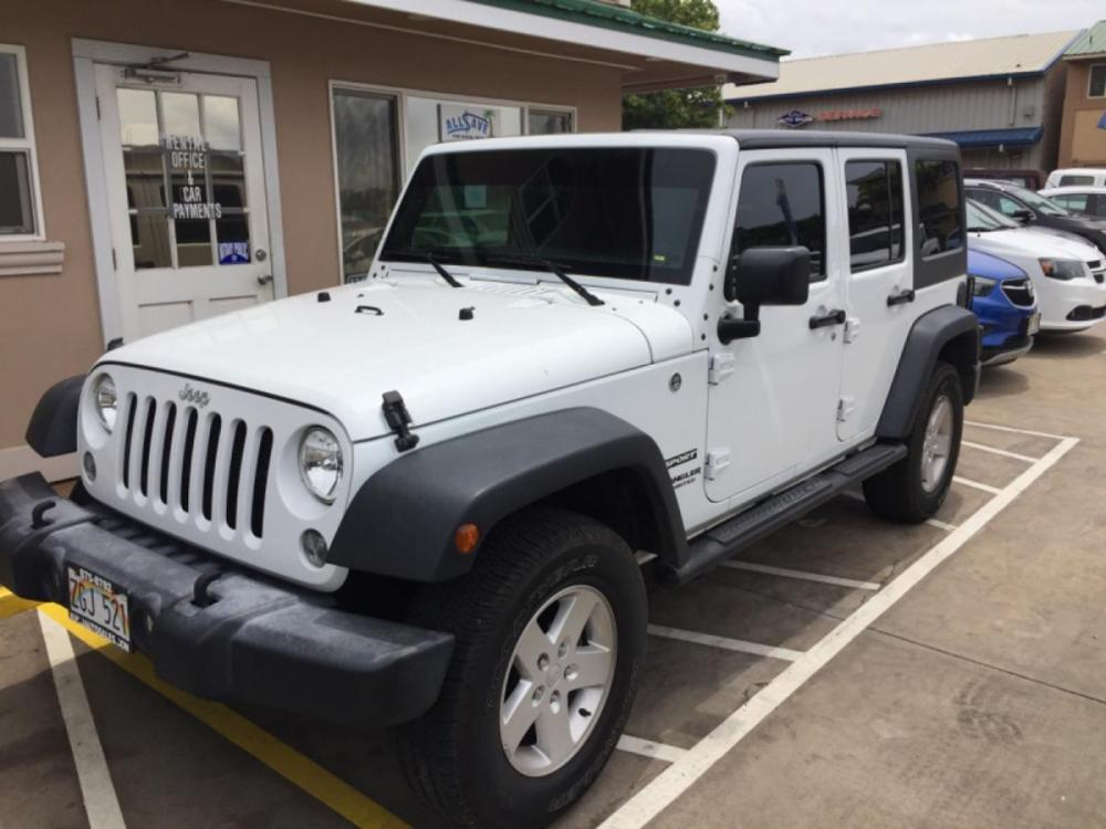 2017 WHITE Jeep Wrangler Unlimited Sport (1C4BJWDG5HL) with an V6 Cylinder Engine engine, Automatic transmission, located at 368 Huku Lii Pl, Kihei, HI, 96753, (808) 875-8782, 20.773748, -156.452103 - Photo #0