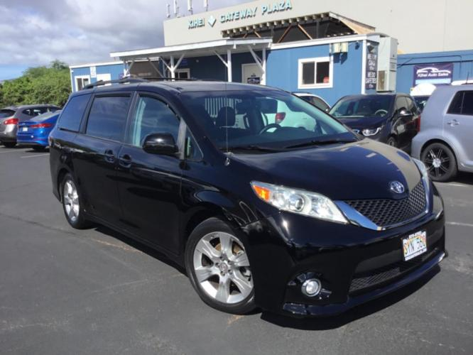 2012 BLACK Toyota Sienna SE (5TDXK3DC0CS) with an V6 Cylinder Engine engine, Automatic transmission, located at 368 Huku Lii Pl, Kihei, HI, 96753, (808) 875-8782, 20.773748, -156.452103 - Photo #0