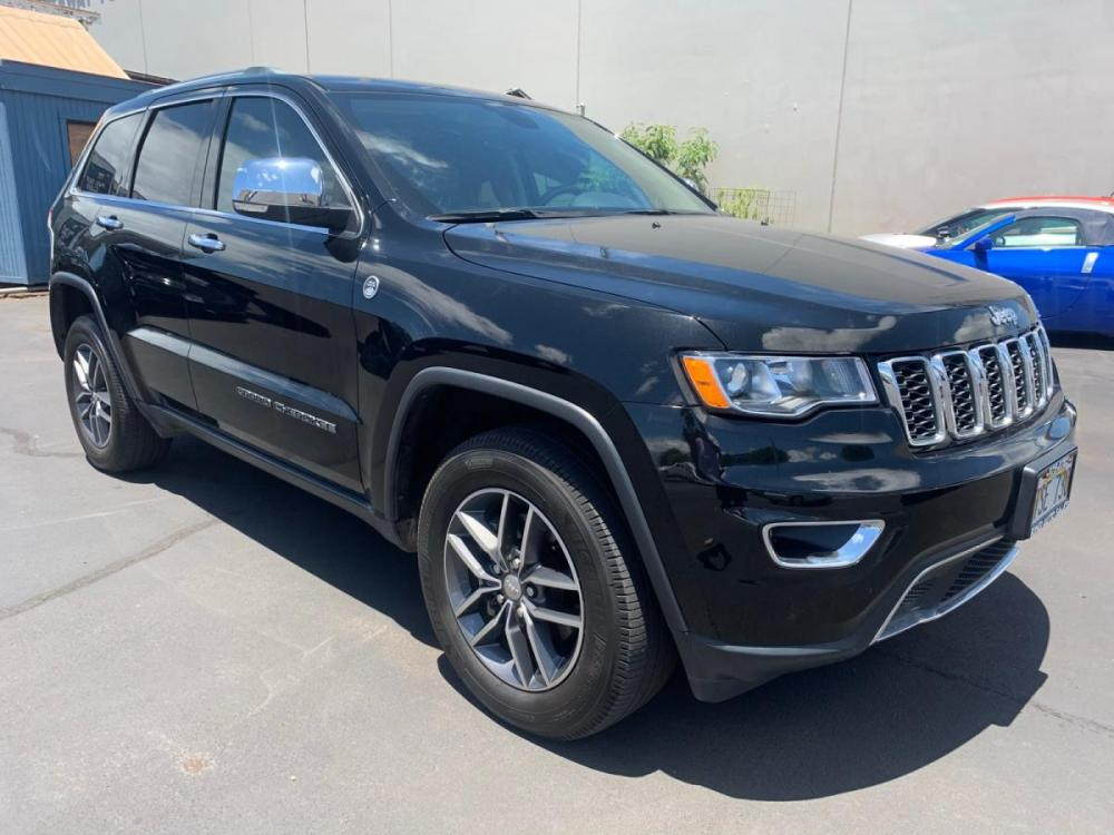 2018 BLACK Jeep Grand Cherokee Limited (1C4RJFBGXJC) with an V6 Cylinder Engine engine, Automatic transmission, located at 368 Huku Lii Pl, Kihei, HI, 96753, (808) 875-8782, 20.773748, -156.452103 - Photo #0